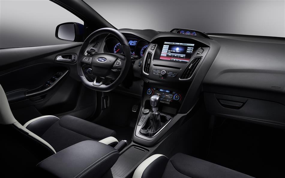 2016-Ford-Focus-RS [Geneva] (10)