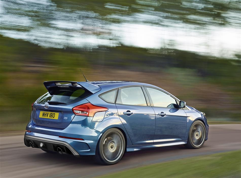 2016-Ford-Focus-RS [Geneva] (2)