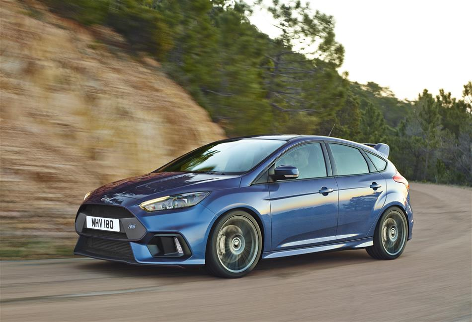 2016-Ford-Focus-RS [Geneva] (4)