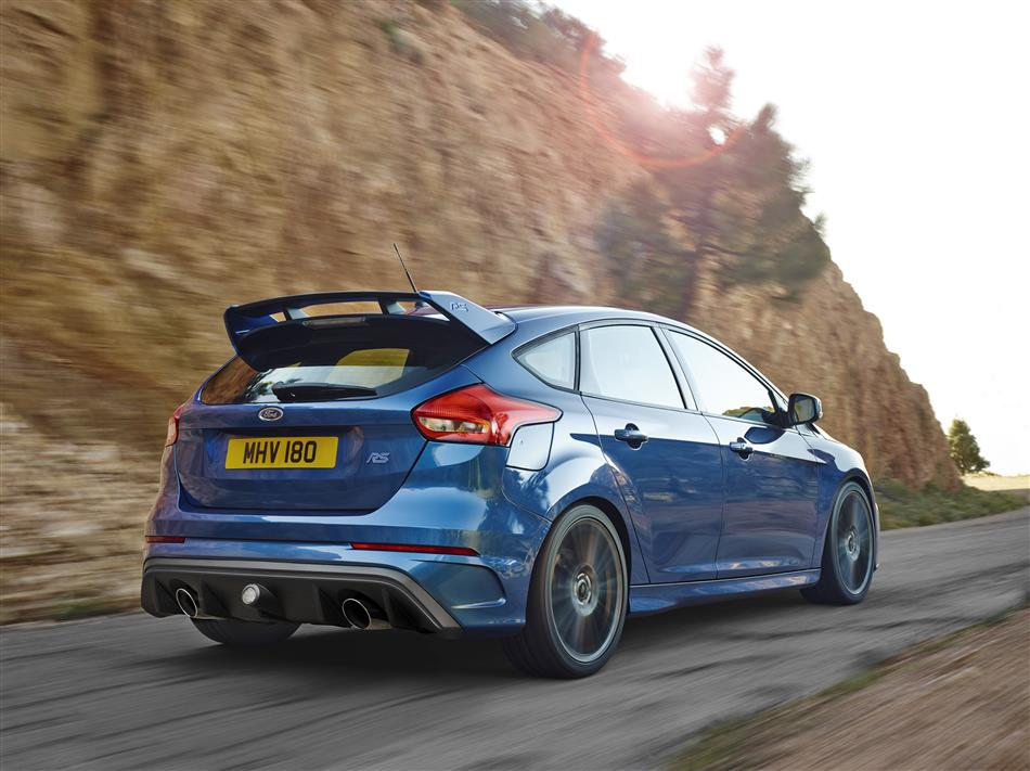 2016-Ford-Focus-RS [Geneva] (5)