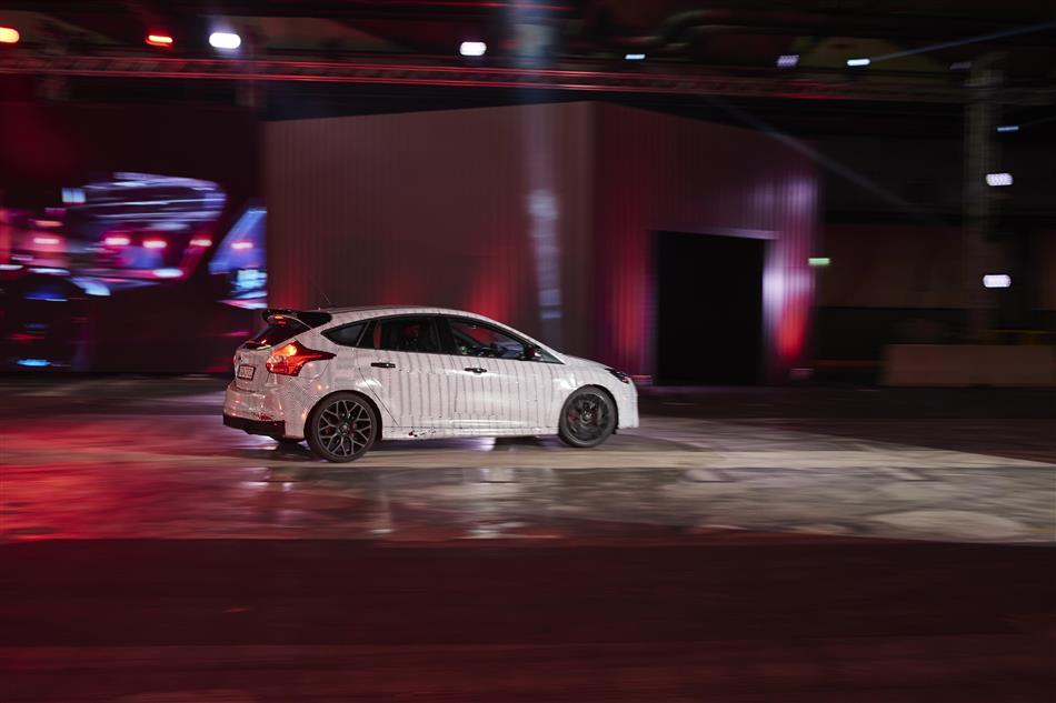 2016 Ford Focus RS - Geneva reveal (13)