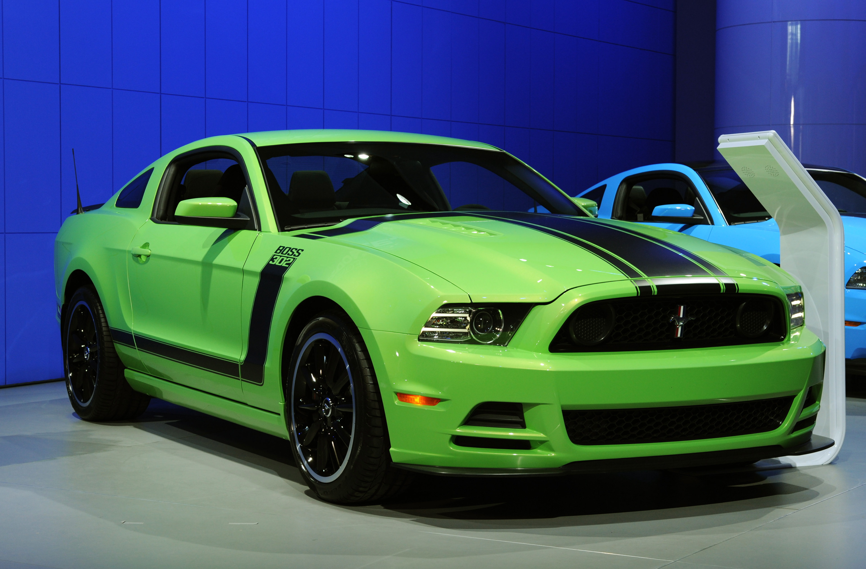 drivingenthusiast 2013 mustang boss 302 hd images page 1. Black Bedroom Furniture Sets. Home Design Ideas