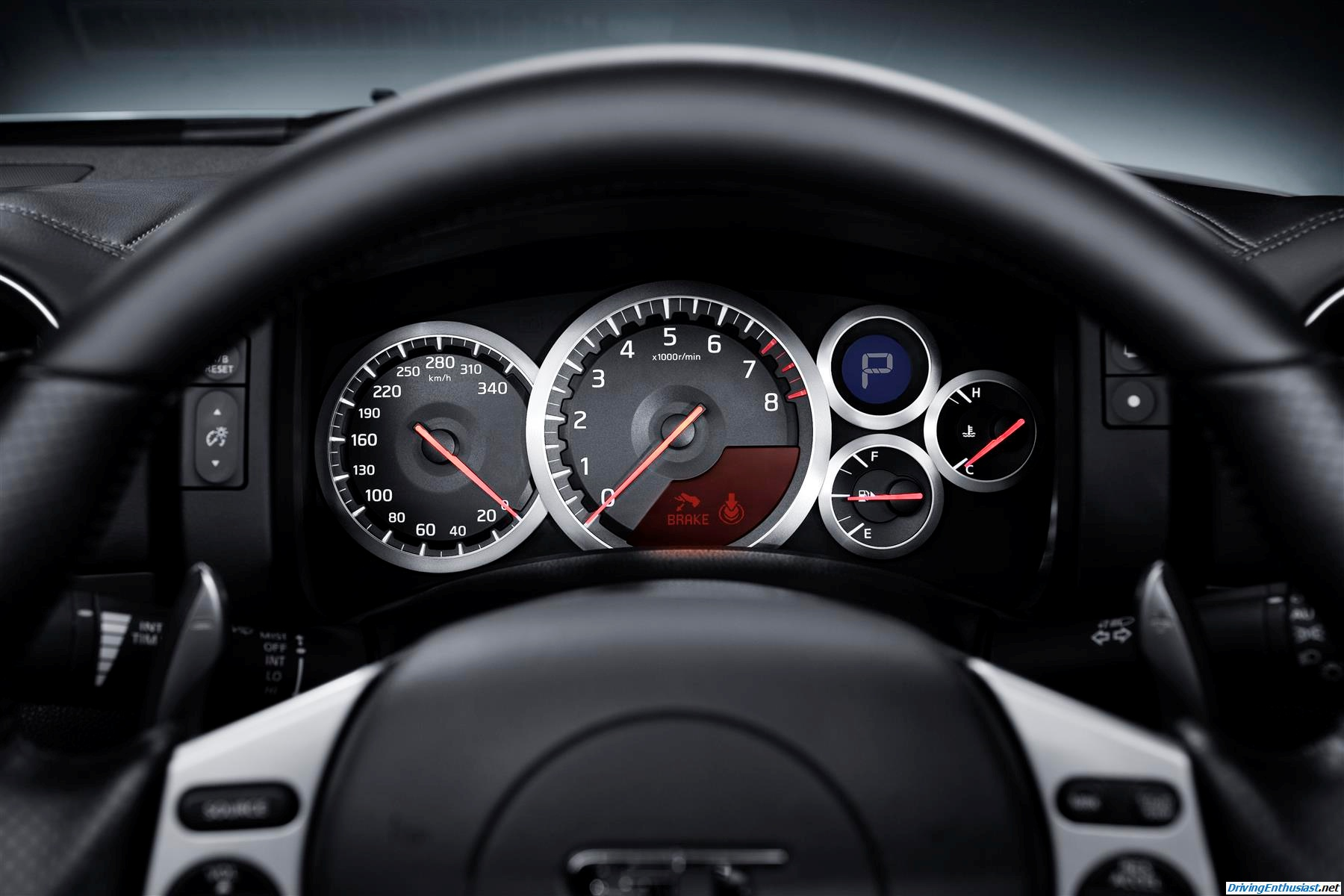 Driving Enthusiast: Nissan GT-R: R35 - Interior