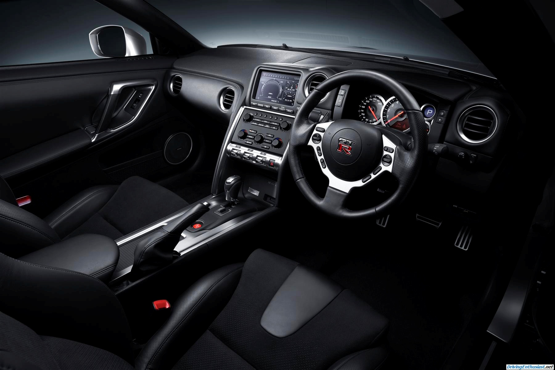 driving enthusiast nissan gt r r35 interior